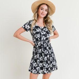 Doe & Rae Short Sleeve Print Knit Dress with Back